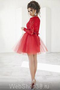 Супер крутое короткое коктейльное красное платье с пышной фатиновой юбкой